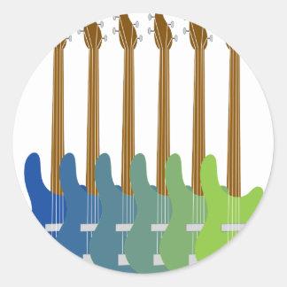 Guitarras bajas coloridas pegatina redonda