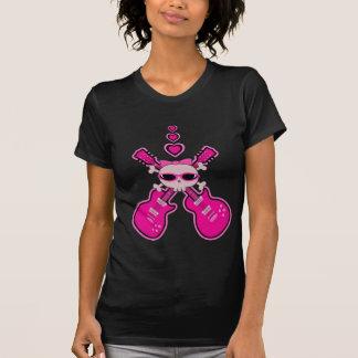Guitarras, cráneo y corazones rosados lindos camisetas