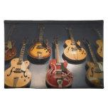 Guitarras del vintage mantel