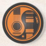 Guitarras eléctricas acústicas anaranjadas y negra posavasos diseño