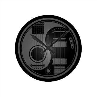 Guitarras eléctricas acústicas grises y negras Yin Reloj