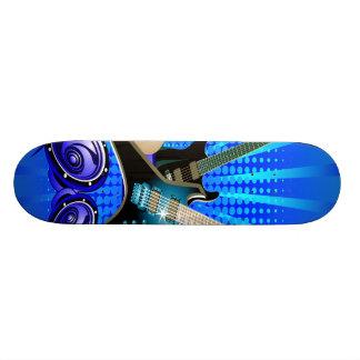 Guitarras eléctricas, tambores y altavoces azules tablas de skate