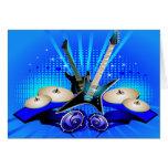 Guitarras eléctricas, tambores y altavoces azules felicitación