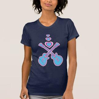 Guitarras lindas y corazones rosados y azules camisetas