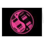 Guitarras rosadas y negras de Yin Yang Tarjeton