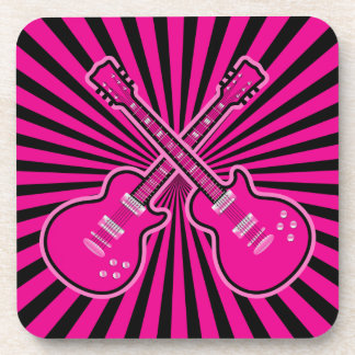 Guitarras rosadas y negras enrrolladas posavasos de bebidas