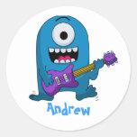 Guitarrista azul lindo del monstruo pegatina redonda