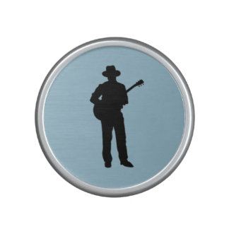 Guitarrista con el gorra altavoz con bluetooth