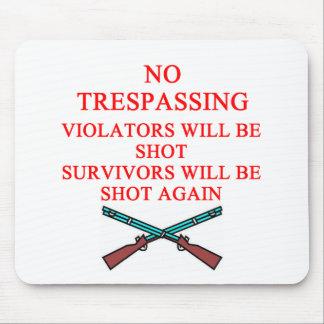 gun owner no trespassing mouse pad