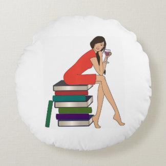 Gusano de libro cojín redondo