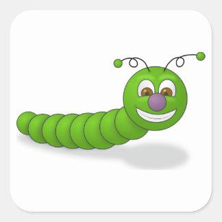 Gusano sonriente verde feliz del dibujo animado pegatina cuadrada
