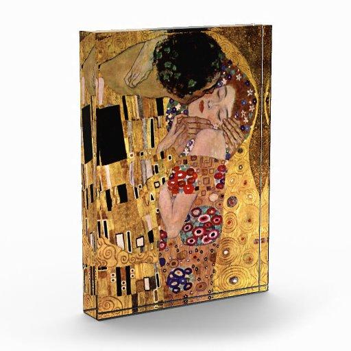 Gustav Klimt: The Kiss (Detail) Award