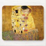 Gustavo Klimt el cojín de ratón del beso Tapetes De Raton