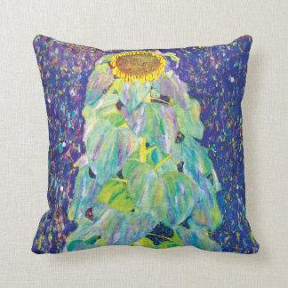 Gustavo Klimt - el girasol Cojin