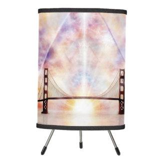 H073 New Horizon Tripod Lamp