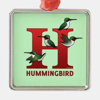 H está para el colibrí adorno navideño cuadrado de metal