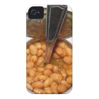 Habas cocidas en lata con la cuchara iPhone 4 carcasa