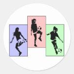 Habilidades para mujer del fútbol pegatina redonda