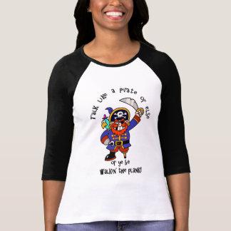 Hable al pirata o camine el tablón - es día del playera