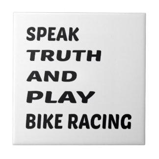 Hable competir con de la bici de la verdad y del azulejo cuadrado pequeño