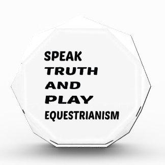 Hable el Equestrianism de la verdad y del juego