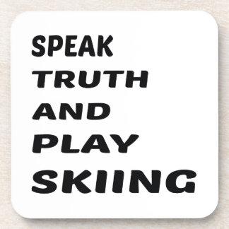 Hable el esquí de la verdad y del juego posavasos de bebidas