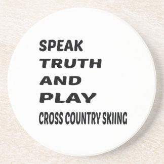 Hable el esquí del campo a través de la verdad y posavaso para bebida