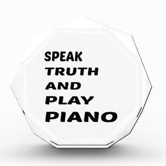 Hable el piano de la verdad y del juego