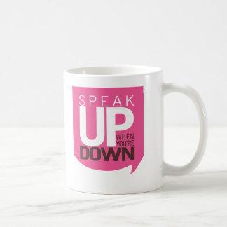 Hable encima de cuando usted está abajo de taza