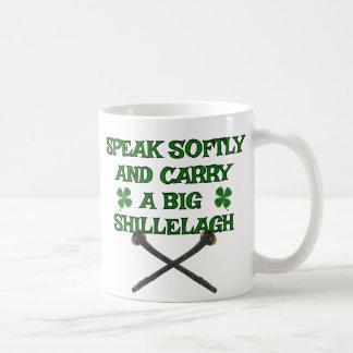 Hable llevan suavemente el Shillelagh grande Taza De Café