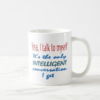 Hablo conmigo mismo taza básica blanca