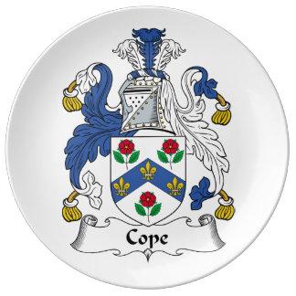 Hace frente el escudo de la familia plato de cerámica