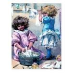 Hacer el lavadero de la muñeca tarjeta postal
