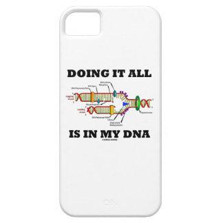 Hacerlo todo está en mi DNA (la réplica de la DNA) Funda Para iPhone 5 Barely There