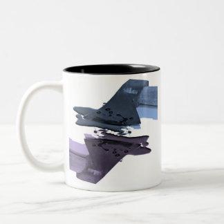 Hacha sangrienta azul y púrpura tazas