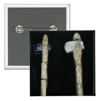Hachas de piedra, prehistóricas pin cuadrado