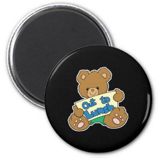 Hacia fuera para almorzar oso de peluche imán redondo 5 cm