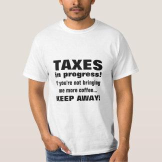 Haciendo los impuestos guardan lejos pero traen el polera