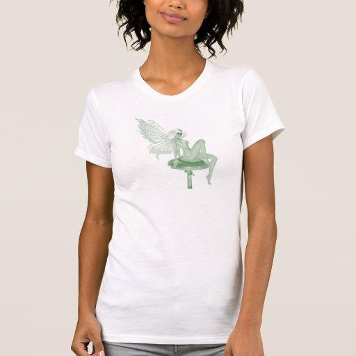 Hada 2A del verde de la firma del arte del ajenjo Camisetas