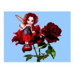 Hada de la mariquita en rosas rojos postales