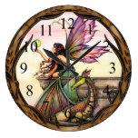 Hada de los orbes del dragón y reloj de pared del