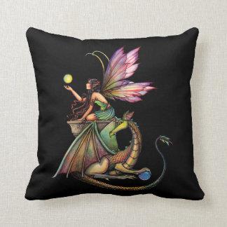 Hada del Faerie de los orbes del dragón y almohada