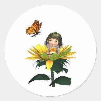 Hada del girasol del bebé con la mariposa pegatina redonda