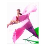 Hada en flor rosada tarjeta postal