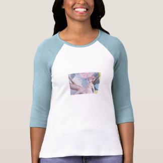 Hada en los rosas 1 camisetas