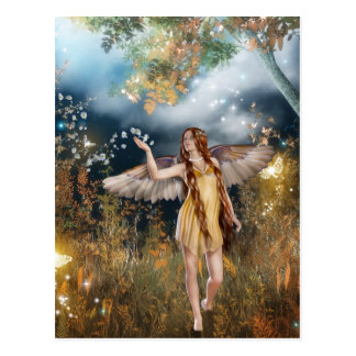 Hada magnífica que toma un paseo en el claro de lu tarjeta postal