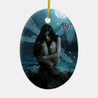 Hada perdida y quebrada adorno navideño ovalado de cerámica