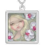 Hada rosada de la flor del COLLAR de la ninfa de l