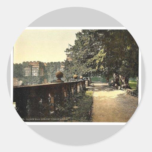 Haddon Hall, Dorothy Vernon's Walk, Derbyshire, En Classic Round Sticker