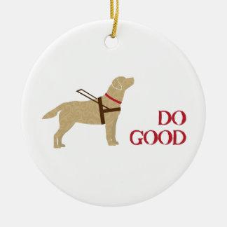 Haga buen - laboratorio amarillo - ver el perro adorno navideño redondo de cerámica